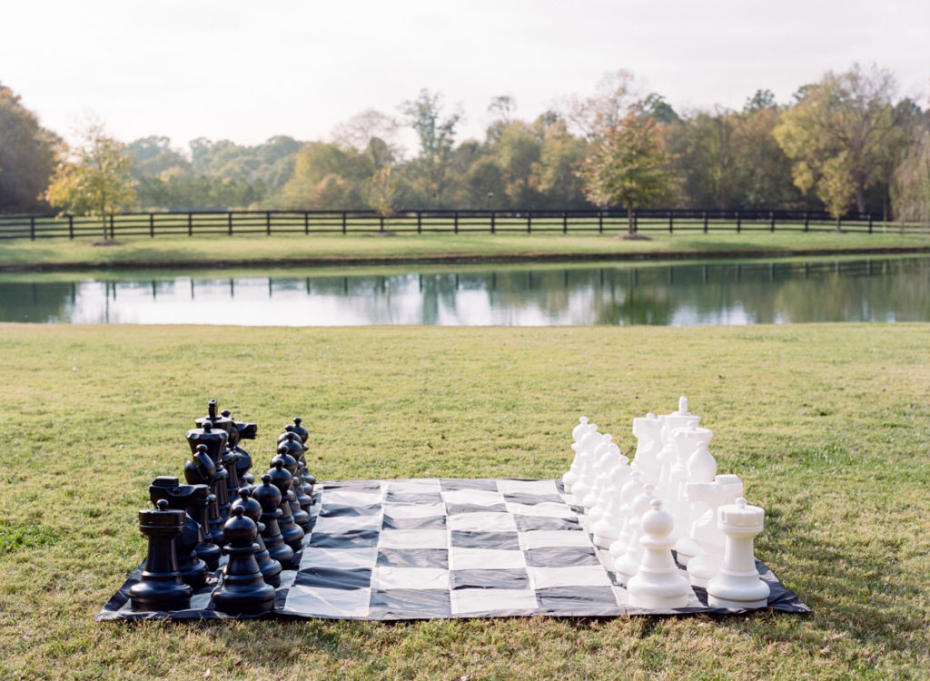 oversized-lawn-chess-set